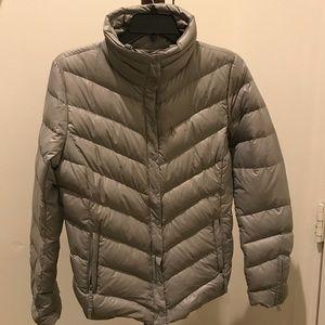 Gap women's lightweight down puffer jacket